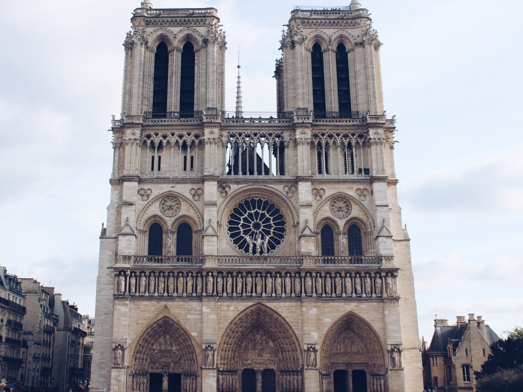 Notre Dame in Paris am Tag